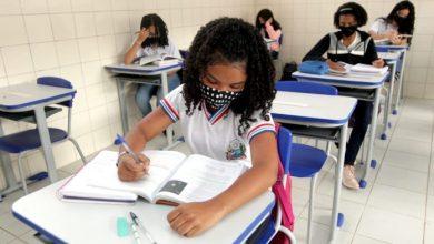 Photo of #Bahia: Professores e estudantes do Ensino Médio retornam para as salas de aula em todo o estado