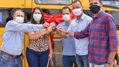 Photo of #Chapada: Prefeita de Nova Redenção entrega novo micro-ônibus escolar aos moradores fruto de emenda parlamentar
