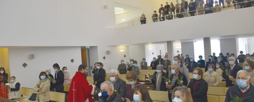 Celebrações na paróquia: Fiéis regressam às igrejas