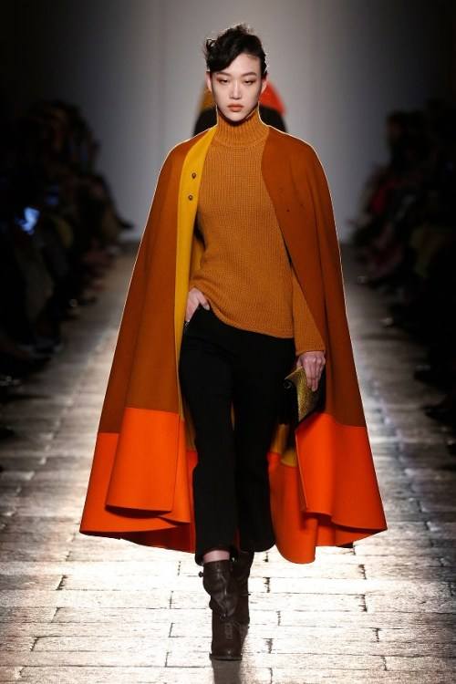 semana-moda-milao-bottega-veneta-2-capa-laranja-marrom-mostarda