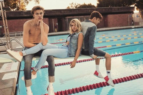 jeans-2017-tommy-campaig-2-hadid