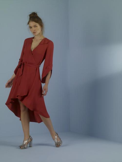 vestido vermelho envelope