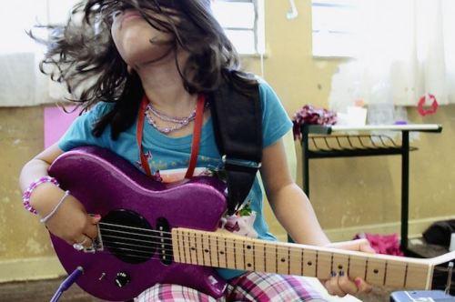 Documentário Feminismo - Empoderamento através da música