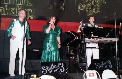 Stylo 3: Valdir, Maria e Fernando Sardinha ao teclado.