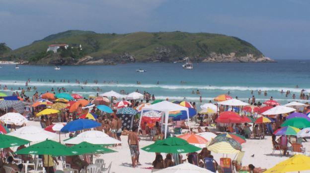 Dois turistas de MG morrem afogados em praias da Região dos Lagos nesse fim de semana