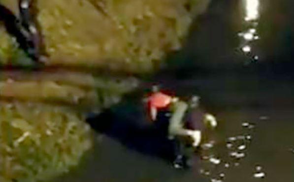 Mulher cai no Rio Piabanha e sofre fratura exposta