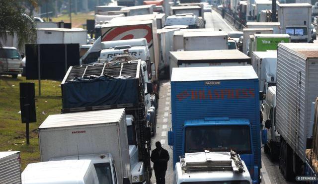 Caminhoneiros avaliam eventual paralisação a partir do próximo domingo