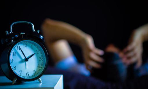Corona-insônia: o fenômeno que está impedindo as pessoas de dormir na pandemia