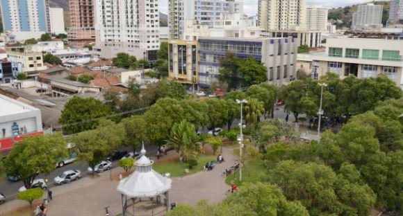 Três Rios recebe Programa Eficiência Energética; atividade irá reduzir custo da iluminação pública em 40%