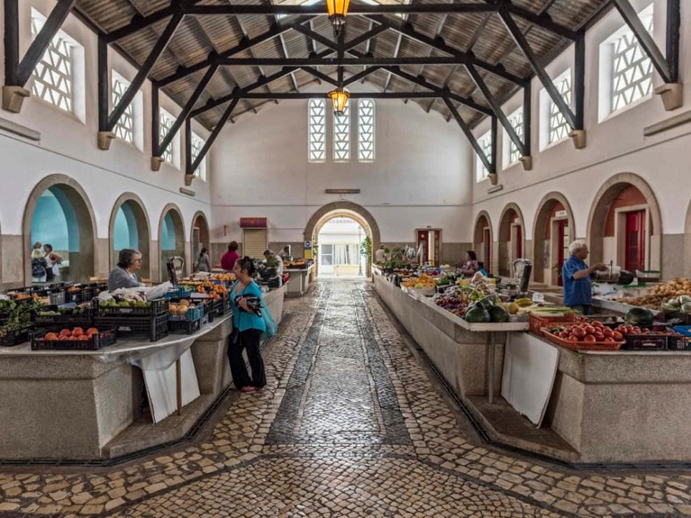 COVID-19: Mercados municipais de Silves continuam encerrados ...