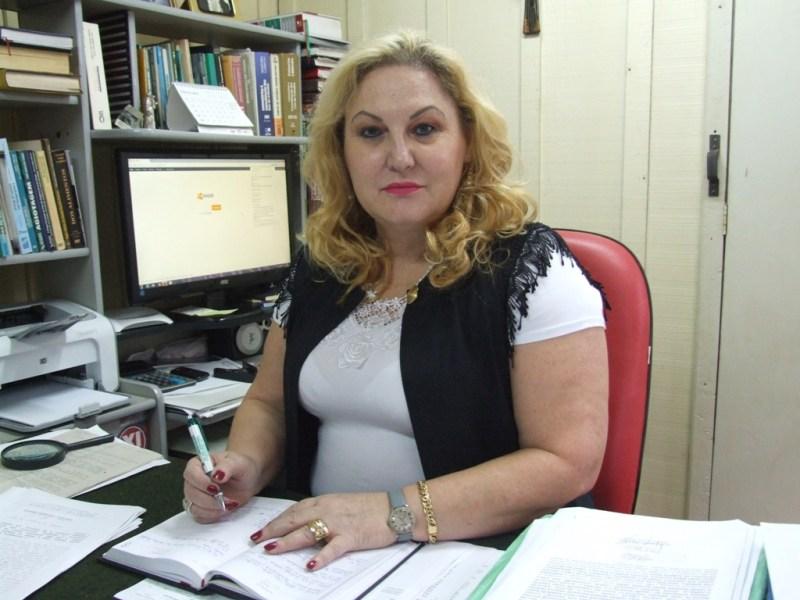 """A advogada Elisabeth Maria Spengler filha de Dona Diva: """"""""Minha mãe não tratava ele como empregado e sim como um filho"""". (Foto: Gisele de Pádua/Fatos do Iguaçu)"""