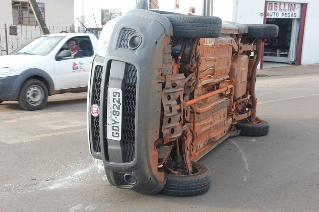 Pinhão: Mais um acidente na esquina da 19 de Novembro com Darcilio Ferreira da Silva