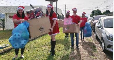 Campanha Natal Inteligente  entregou os brinquedos, está na arrecadação do material escolar