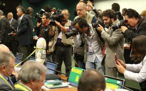 O que era importante fotografar nessa sessão da Câmara? - foto de Lula Marques