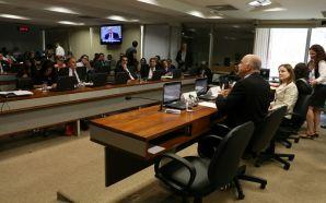 Economistas desmontam PEC 241 no Senado.