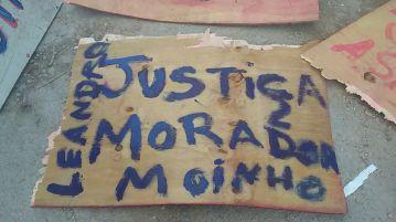Moradores protestam contra assassinato de Leandro durante invasão da PM à Favela do Moinho Foto: Jornalistas Livres