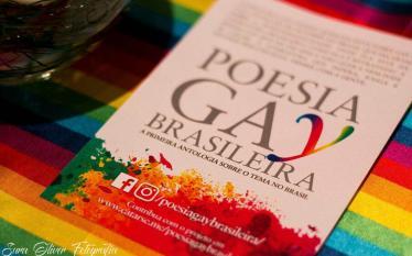Poesia a favor do amor e na luta contra a…