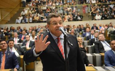 Diário da Alesp: deputado petista, Emídio de Souza questiona Bolsonaro