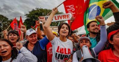 Mutirão vai coletar assinaturas no abaixo-assinado que pede soltura de Lula
