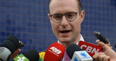Advogado Cristinano Zanin denuncia atentado à advocacia e diz que ação de Bretas favorece clã bolsonaro