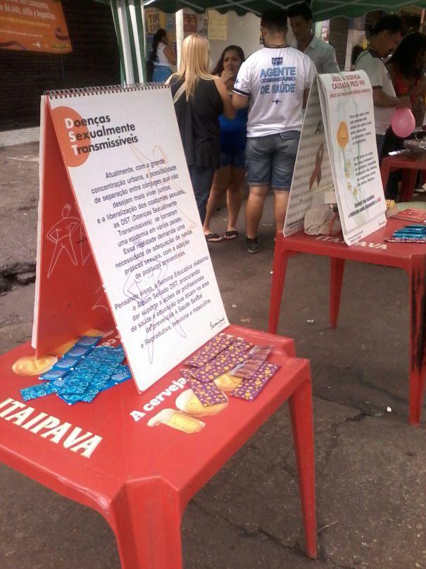 As informações sobre doenças estavam também em panfletos e banners.