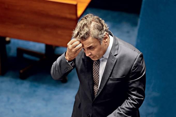 Aécio Neves chora em telefonema com ex-ministro do STF por causa da irmã presa