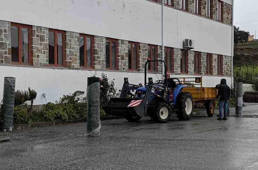 Preciso de formação para conduzir tractores?