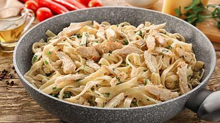مكرونة-ألفريدو-بالدجاج---المطبخ-الإيطالى