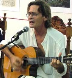 El trovador Ireno Garcia, quien integra en 1990-1991 la Teatrova, y musicaliza textos de Jose Antonio Gutierrez, como la Romanza de los Duendestrellas, inspirada en un dibujo que el mismo le regala a Josan Caballero por esos dias