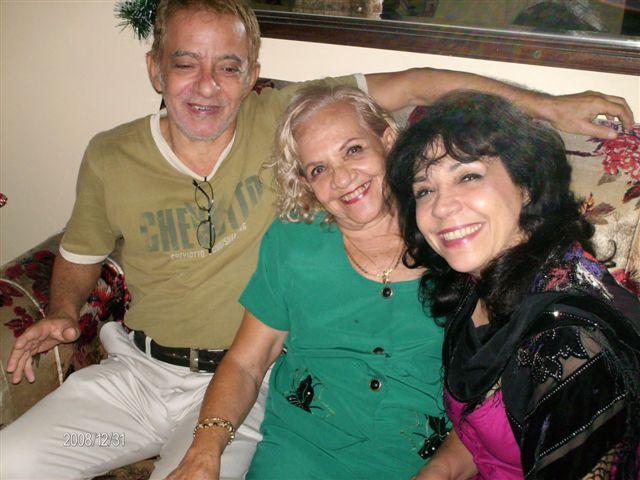 María Eugenia García, con su hermano David García Gonce y su madre Selene Gonce, el 31 de diciembre pasado.