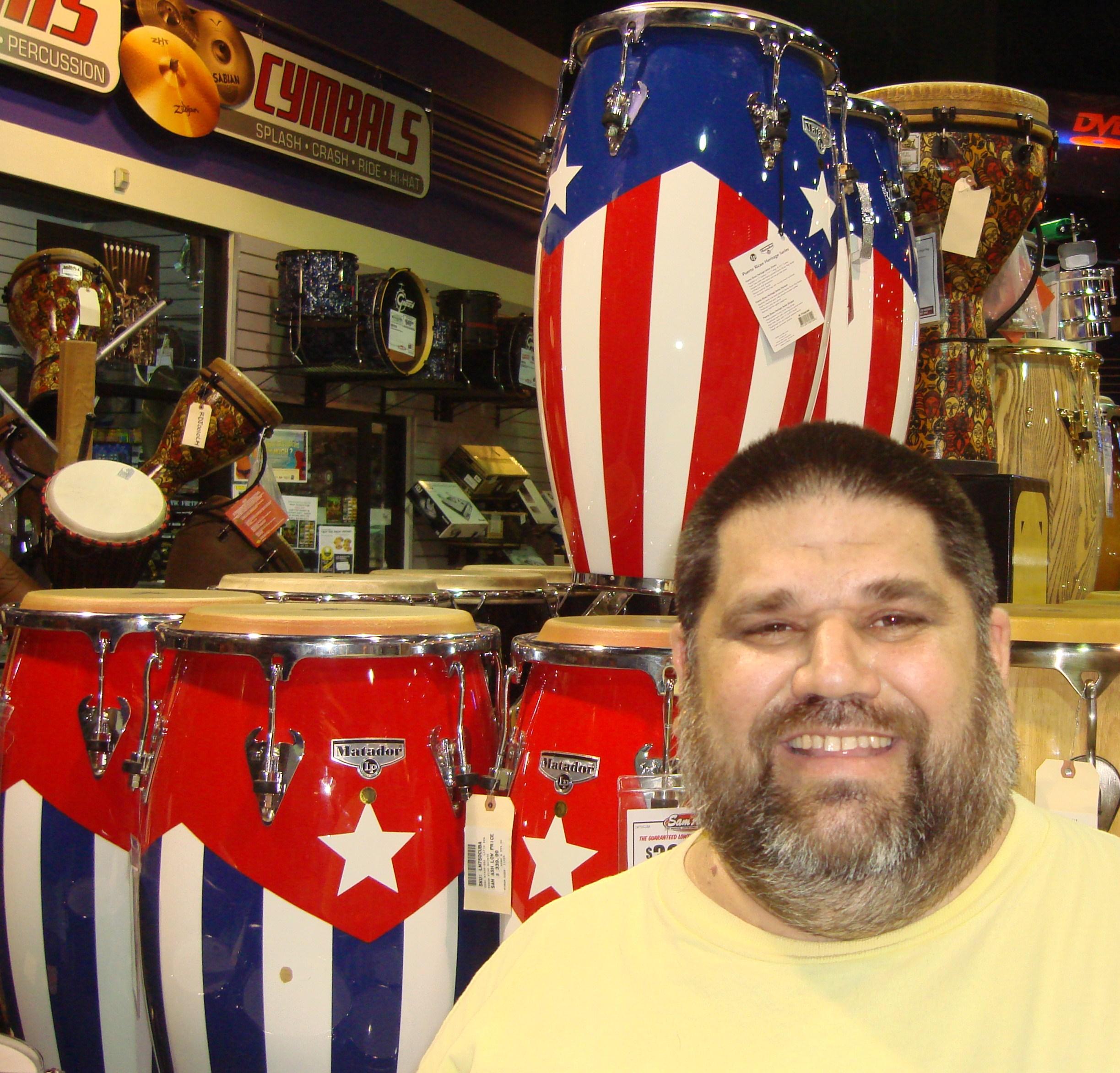 Josan Caballero y las Tum-banderas musicales.