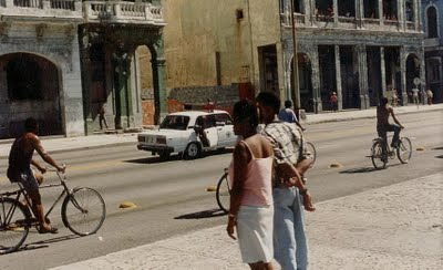 ElMalecón Habanero, en medio de EL MALECONAZO, fotos inéditas en Desarraigos Provocados.
