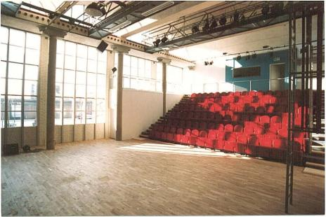 AT_9361_theaterzaal_raampartij