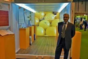 Benito Orihuel junto al Container-Know presentado en Fruit Attraction 2015
