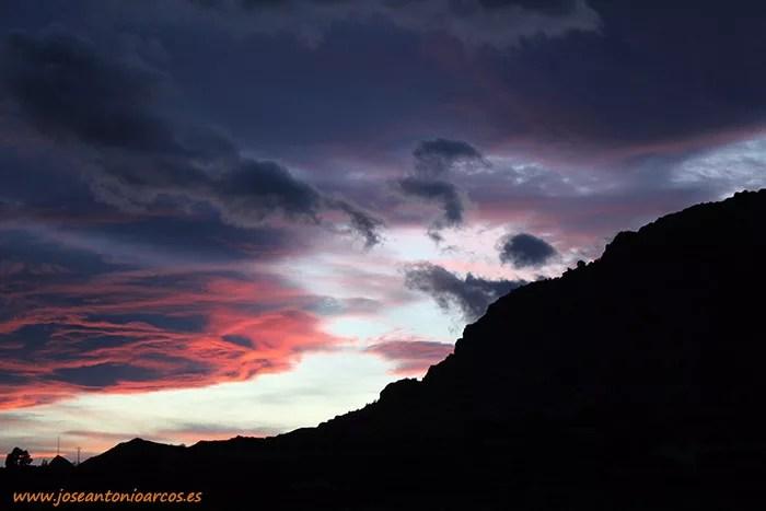 Atardecer en Alhama de Murcia, mirando a Sierra Espuña, región de Murcia. Pinares de Sierra Espuña, Murcia. Viajeros blogueros por España
