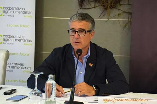Juan Colomina, consejero delegado de Coexphal, en la jornada técnica 2016 de Cooperativas Agro-alimentarias en Almería, El Ejido.