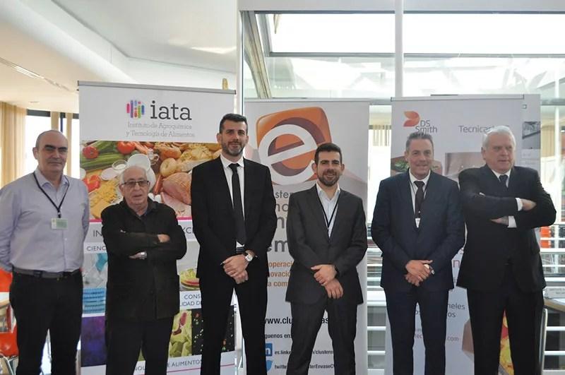 Representantes-del-Clúster-de-Innovación-en-Evase-y-Embalaje,-Primaflor,-DS-Smith-Tecnicarton,-empresa-patrocinadora-del-Desayuno-y-IATA-CSI