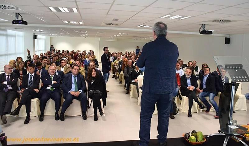 Ferran Adrià en Almería. Charla en Tecnova, PITA Almería, ante empresarios hortofrutícolas.
