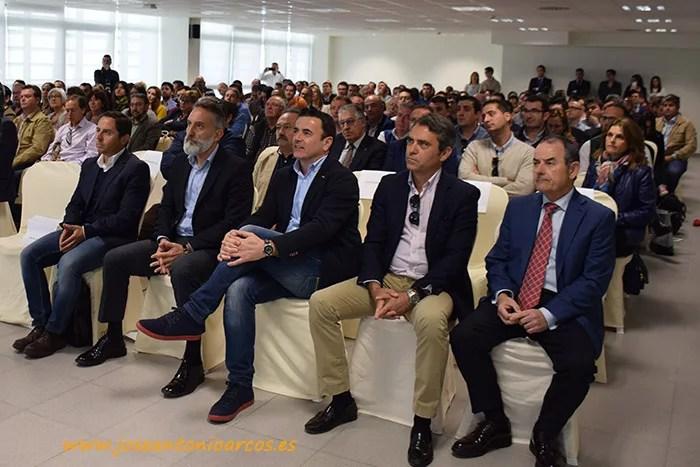 Empresarios almerienses en el edificio de Tecnova en el PITA durante la conferencia del chef Ferran Adrià.