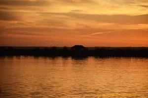 Atardecer en el Muelle del Tinto de Huelva.