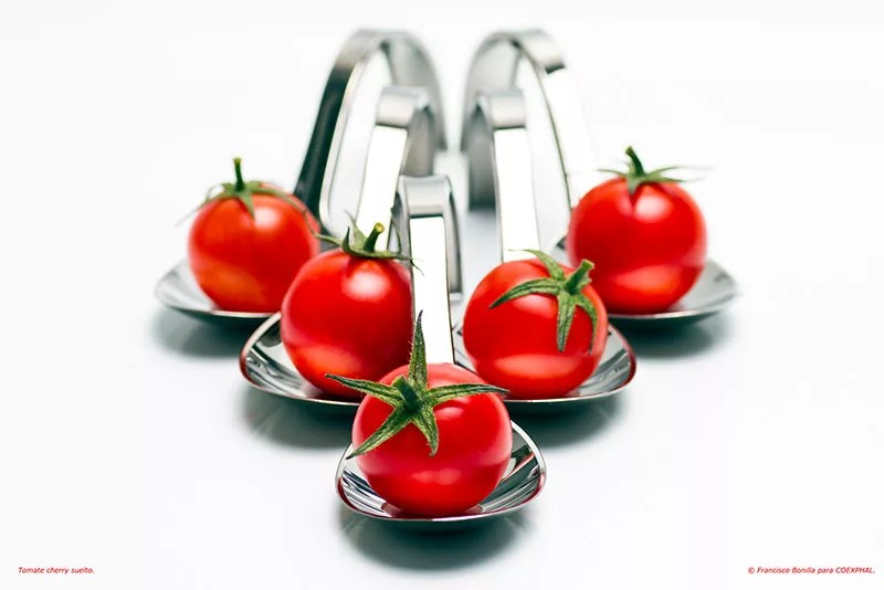 Tomate tipo cherry.