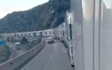 Colas de camiones en la Frontera entre España y Francia.