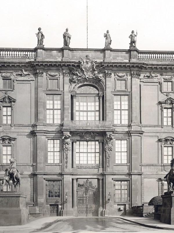 Berliner Stadtschloss 1890, Portal