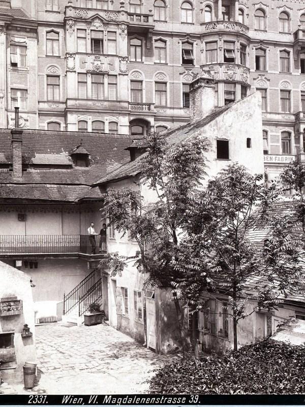 Wien 1899, Magdalenenstraße