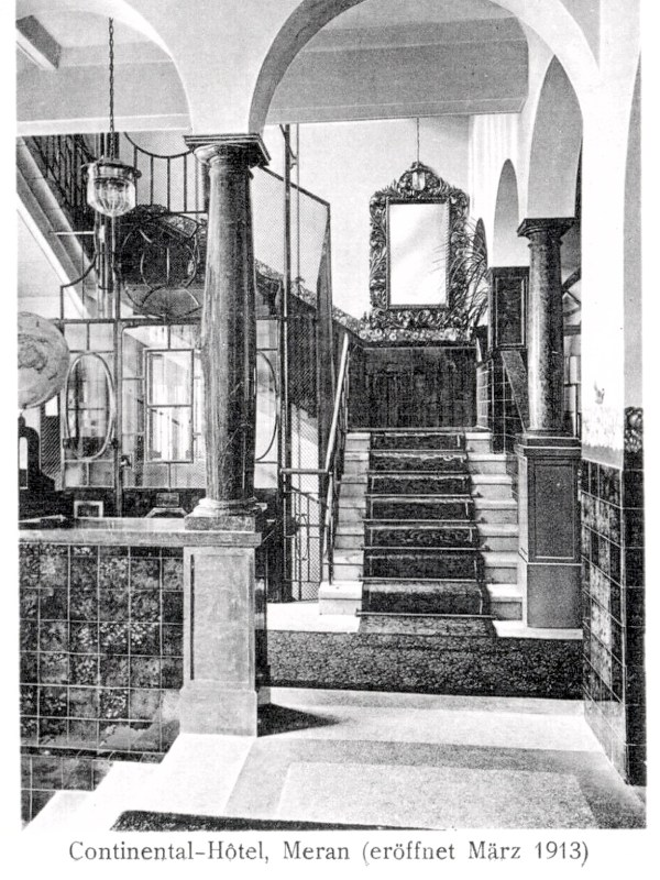 Meran 1913, Hotelhalle