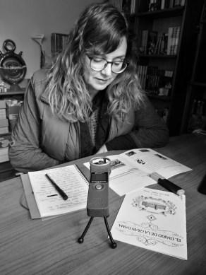 Sonia Sevilla grabando la voz de La Monumental