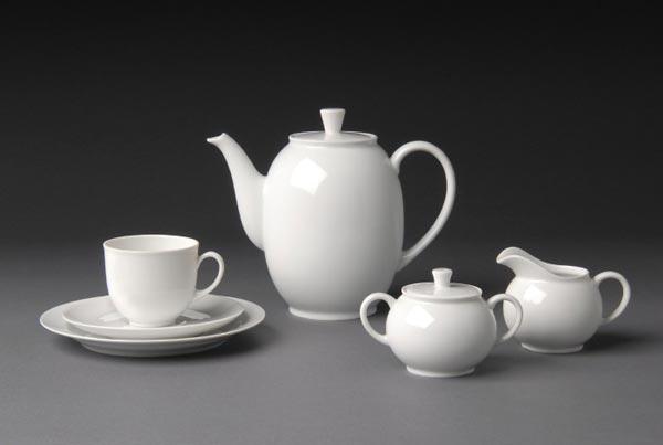 Juego de té, 1931, de Hermann Gretsch. Destaca su nula ornamentación y su carácter atemporal.