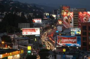 West_Hollywood_CA-The_Sunset_Strip_at_Night