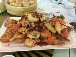 Garlic-fried lobster