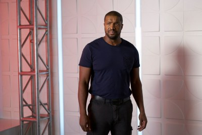 December 7, 2016: Dark Matter's Roger Cross Answers Your Questions!